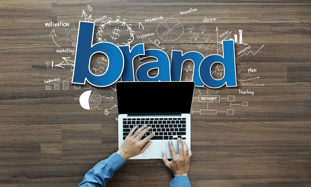 8 Easy Steps to Build a Personal Brand that Stands Out